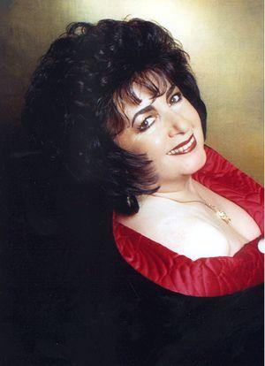 Liz Taylor Lookalike